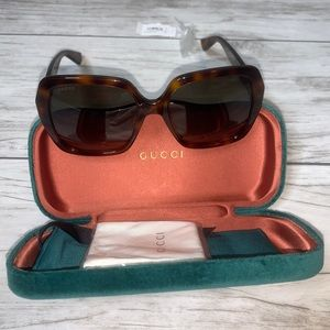 GUCCI 54mm Square Oversized Sunglasses NWT
